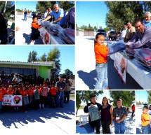 Entrega el programa DARE, 50 mochilas a alumnos de la Escuela Primaria Vicente Guerrero de la comunidad de Valverde