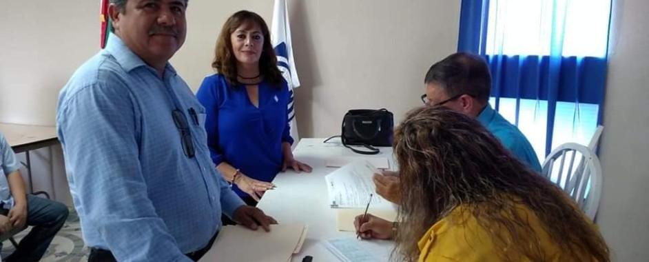 LUPITA MÉNDEZ Y JUAN CARLOS DE LA RIVA SE REGISTRAN PARA CONTENDER POR LA DIRECTIVA DEL PAN EN OJINAGA