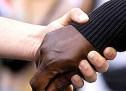 LOS SUPREMACISTAS BLANCOS DIFUNDEN UNA CIFRA RÉCORD DE MENSAJES RACISTAS CONTRA LATINOS Y OTRAS MINORÍAS