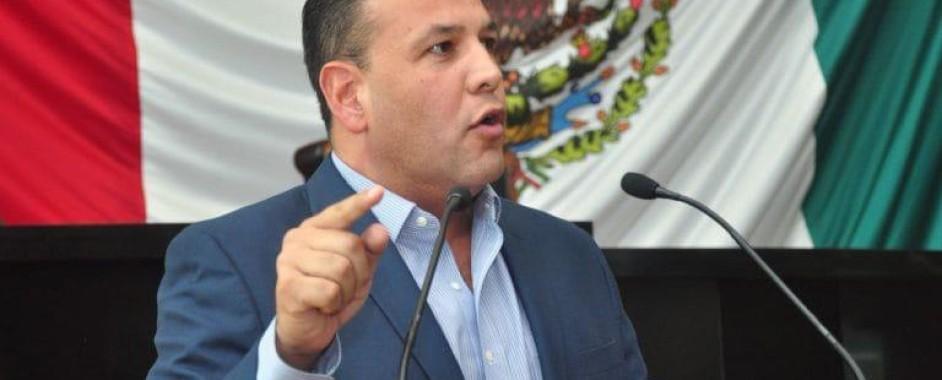 Javier Corral debe enfocarse en resolver la crisis económica y no en temas electorales: Omar Bazán
