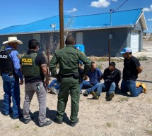 AGENTES DE CBP Y POLICIA DE PRESIDIO DETIENEN A CINCO MIGRANTES ILEGALES QUE VIAJABAN EN UN VEHICULO ROBADO